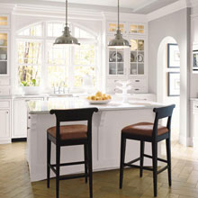 Casual kitchen cabinets by Decora Cabinetry