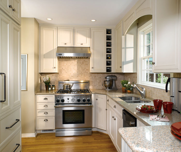 Small Kitchen Design with Off White Cabinets - Decora