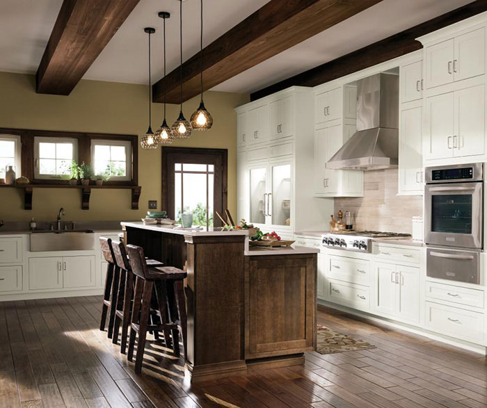 Quartersawn Oak Cabinets In Rustic Kitchen Decora