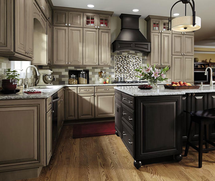 Merveilleux ... Gray Kitchen Cabinets By Decora Cabinetry ...