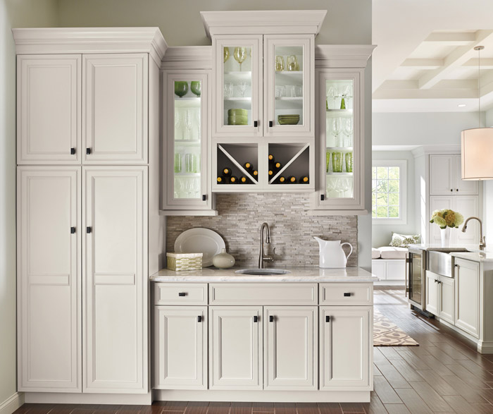 kitchens with off white cabinets white kitchen cabinets decora cabinetry 22294