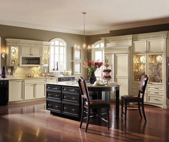 Cabinet Store in Asheville: KITCHENS UNLIMITED - Decora