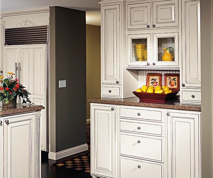 off white kitchen cabinets with glaze white glazed cabinets in traditional kitchen decora 8972