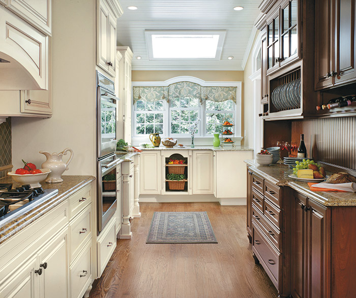 galleria small kitchen design with traditional cabinets in Maple Chantille and Cherry Brandywine coffee finishes